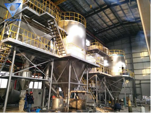 LPG离心喷雾干燥设备 磷酸铁锂生产现场.jpg