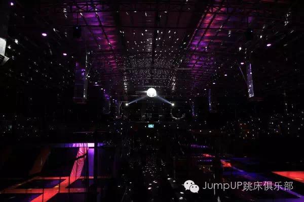 广州JUMP UP蹦床蹦乐园1100平方米