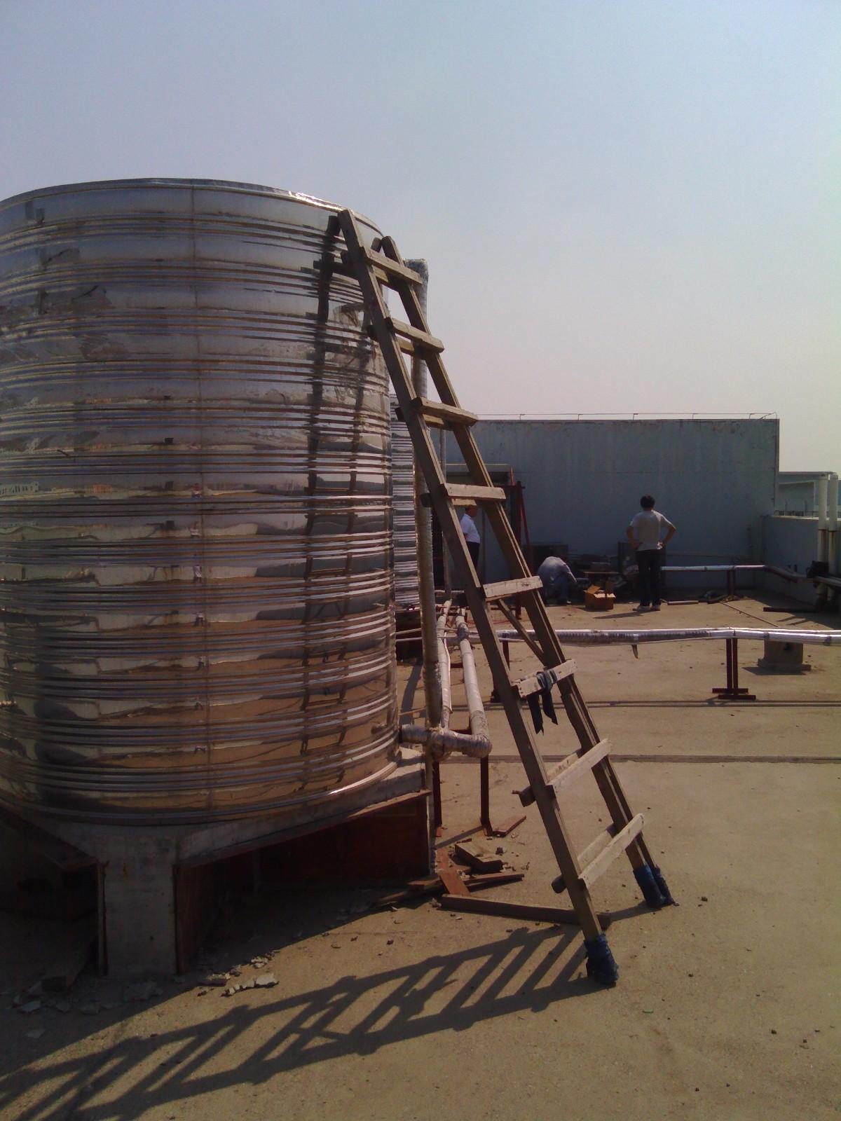 武漢天鳴服飾空氣能熱水工程施工完工! 成功案例-武漢金恩機電工程有限公司