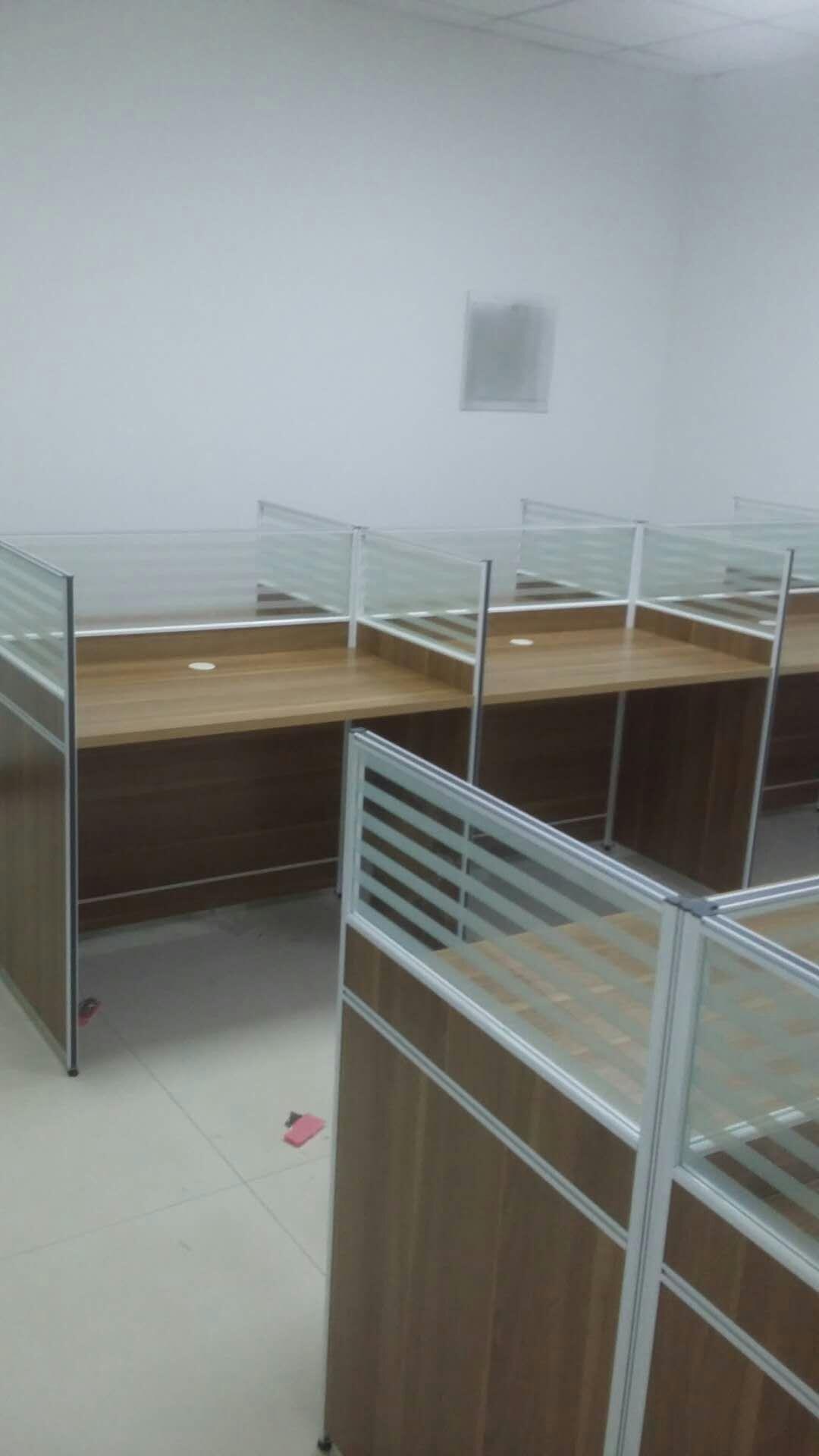 郑州市大学路华城国际屏风办公桌安装销售|新闻-郑州美冠家具有限公司