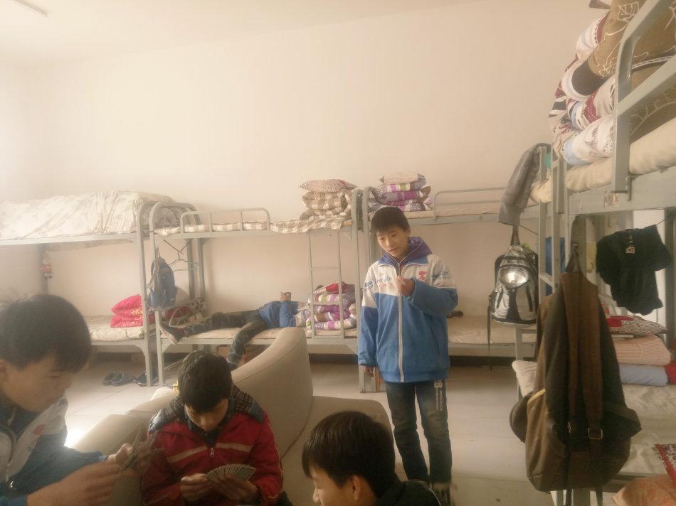 参观鲁堡儿童村孤儿院有感_宏达振动电机梅勇先生|宏达新闻-新乡市宏达振动设备有限公司