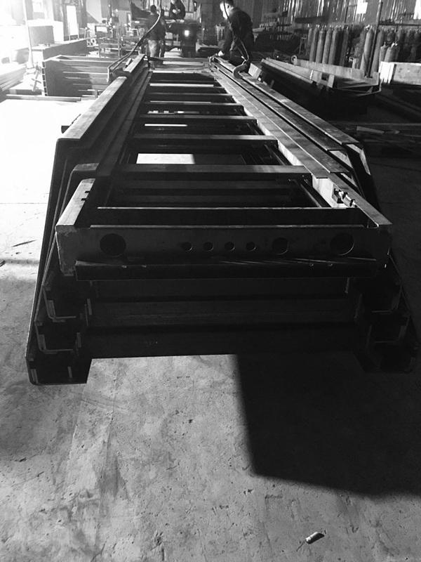 自动化物流输送机伸缩机壳体展示|物流输送机-郑州阿尔达机电设备有限公司