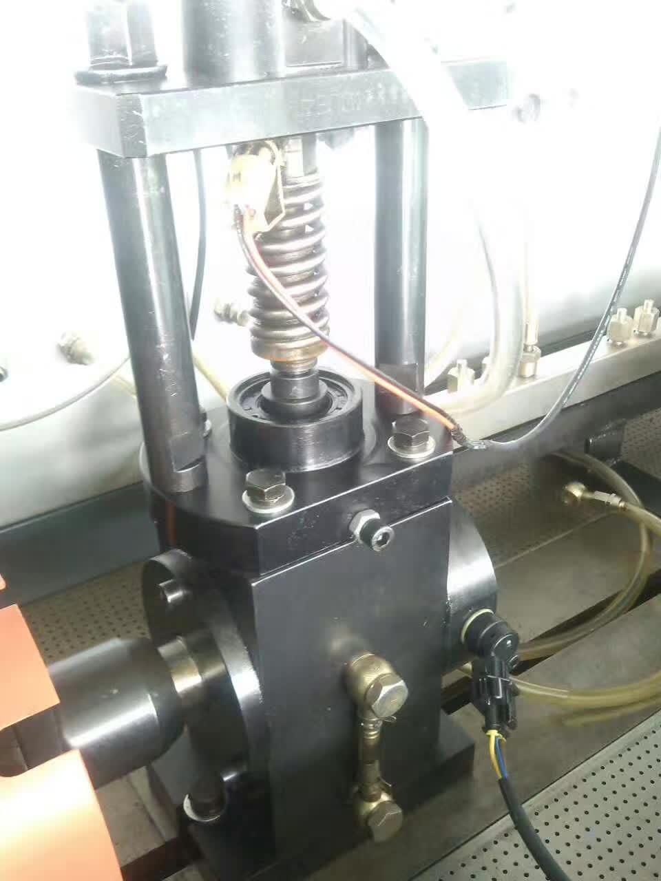 CRS708高壓共軌一體機型試驗臺1.png