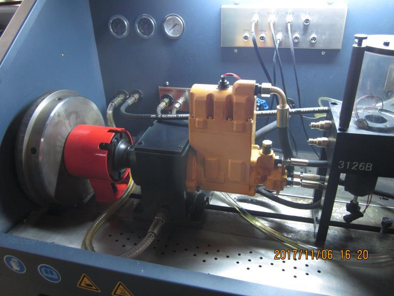 CRS815型高压共轨综合型试验台3.png